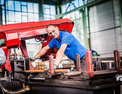 Säge im Unternehmen Stahlhandel Grimm Unger